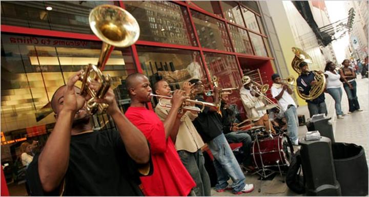 Hypnotic Brass Ensemble @ PAUL B. - Massy, France