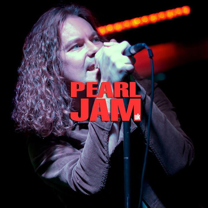 Pearl Jam UK @ Chinnerys - Southend-On-Sea, United Kingdom