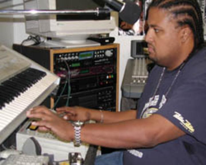 DJ Deeon @ Lake San Antonio - South Shore - Bradley, CA