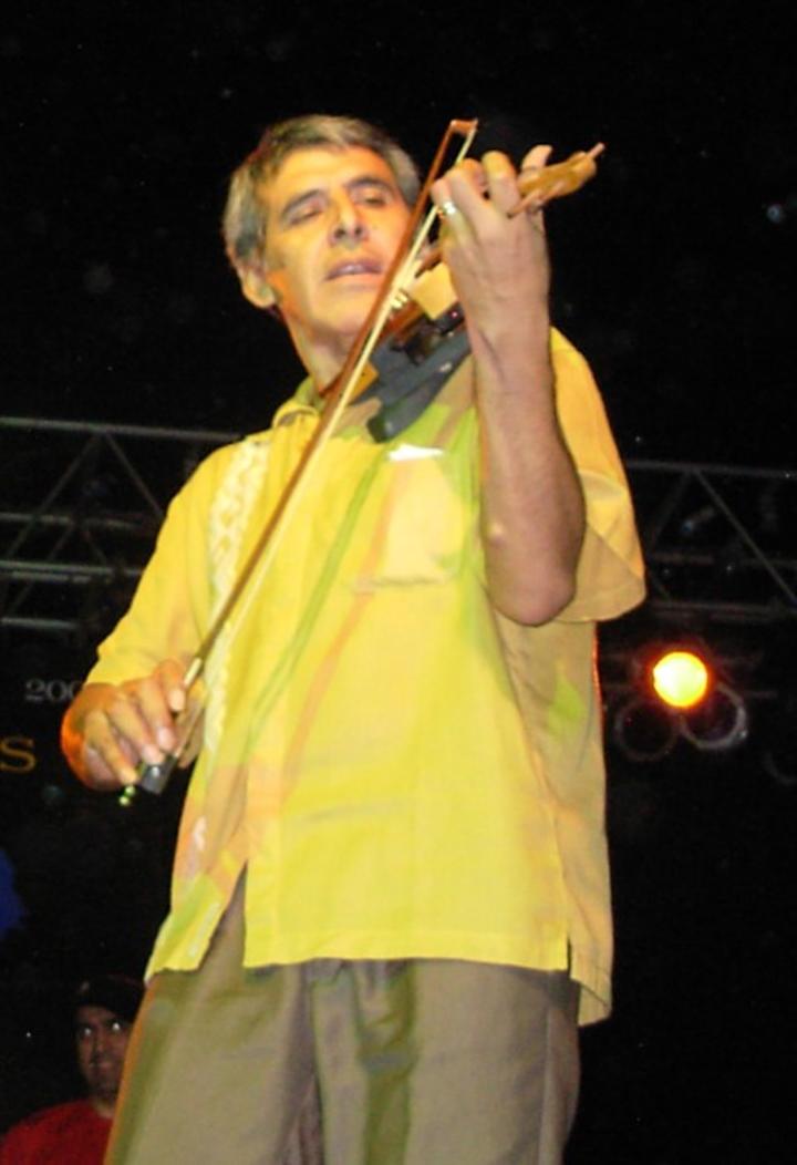 Peteco Carabajal Tour Dates
