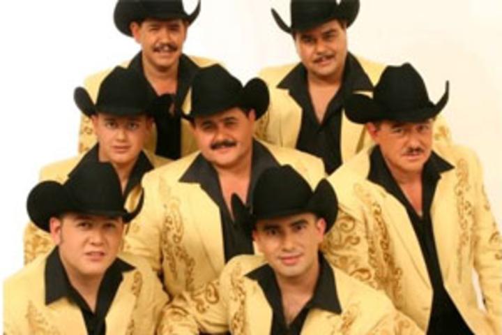 Los Huracanes del Norte Tour Dates