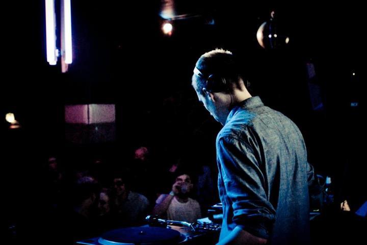 Alex Coulton @ The Sub Club - Melbourne, Australia