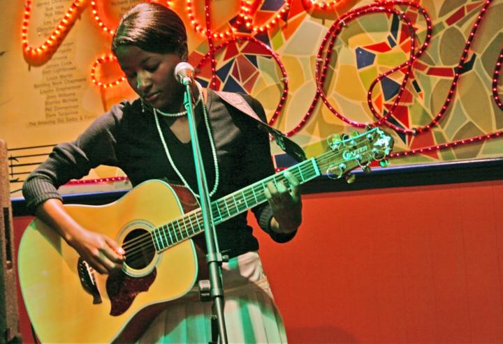 Josephine Oniyama Tour Dates