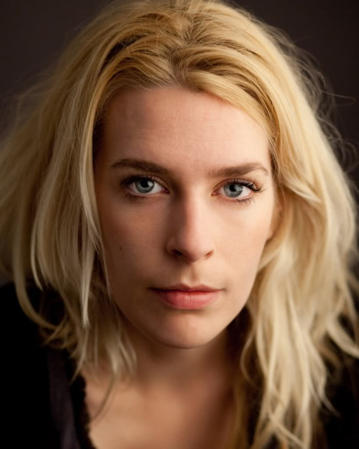 Sara Pascoe @ William Aston Hall - Wrexham, United Kingdom