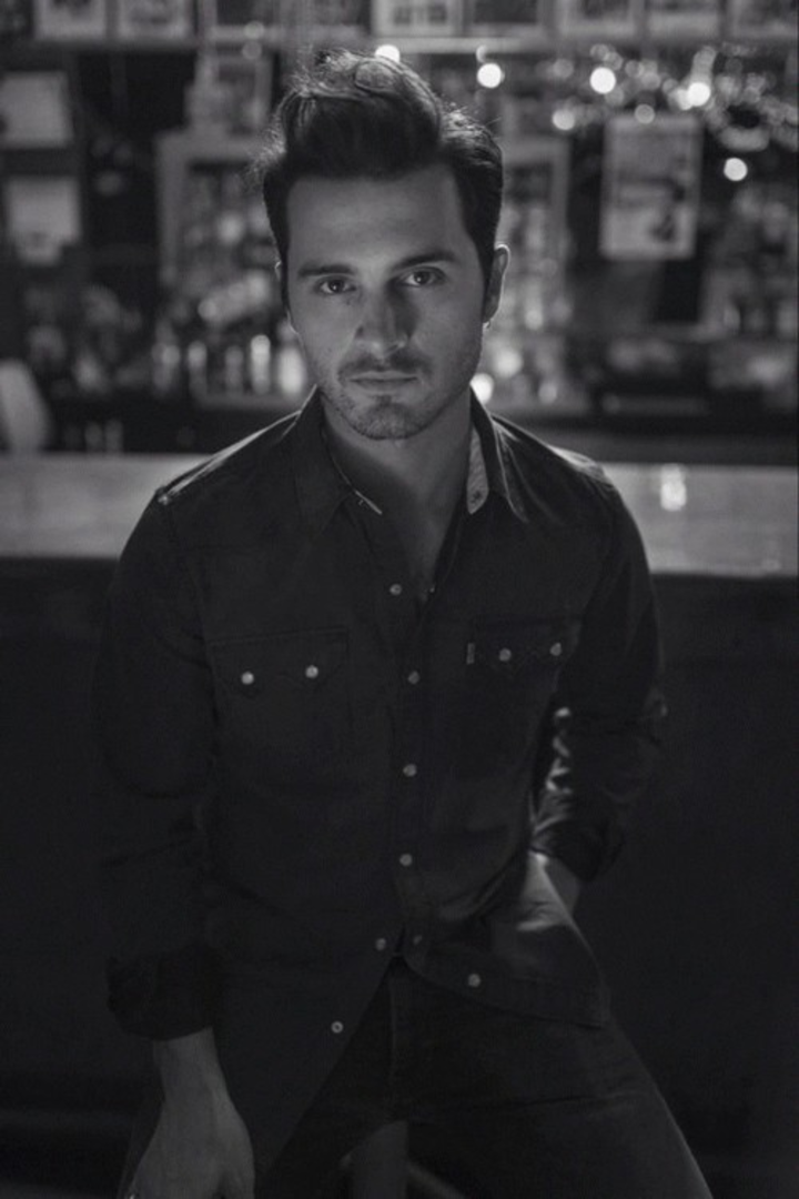 Michael Malarkey @ Point Ephémère - Paris, France