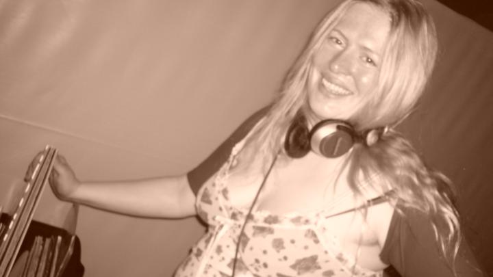 DJ Aroma @ Mensch Meier - Berlin, Germany