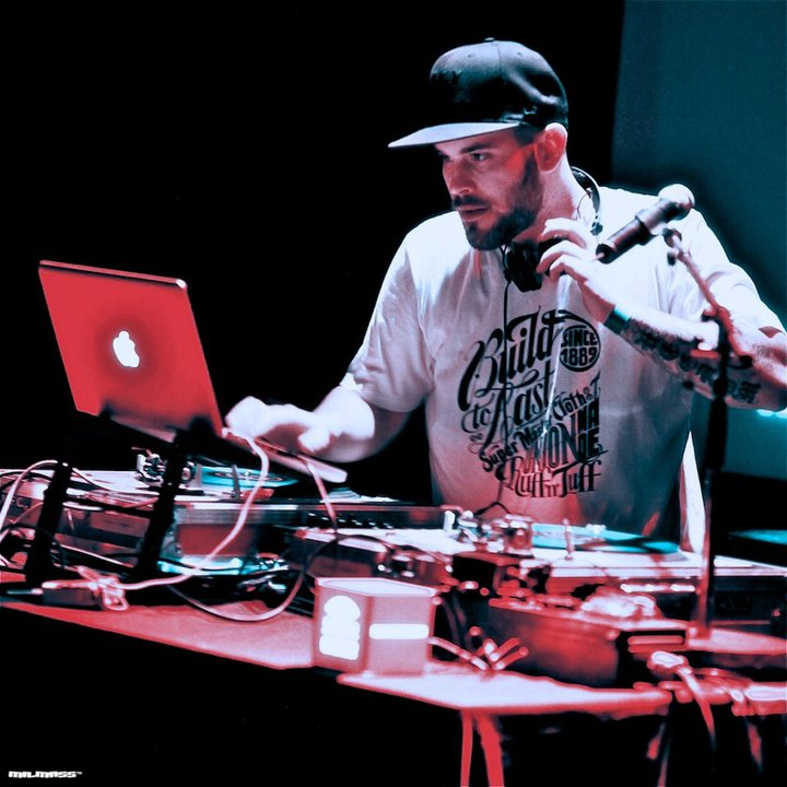 DJ Weedim @ La Machine Du Moulin Rouge - Paris, France