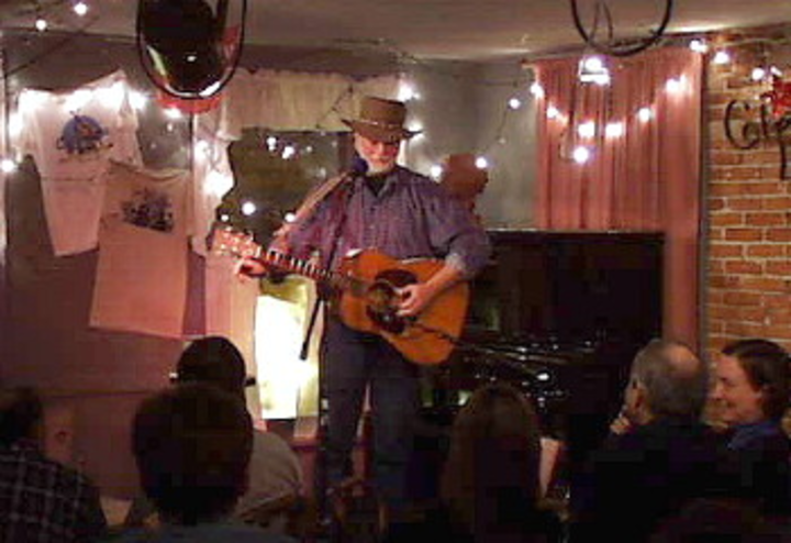 Bill Staines @ me and thee coffeehouse - Marblehead, MA
