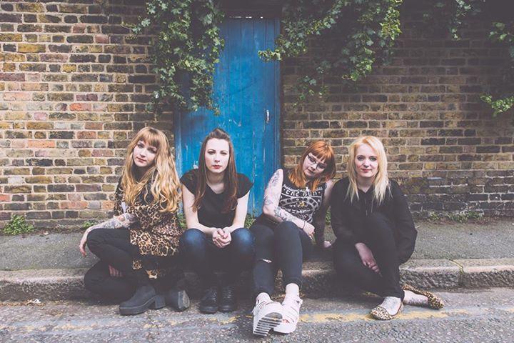 Hearts Under Fire @ Sub 89 - Reading, United Kingdom