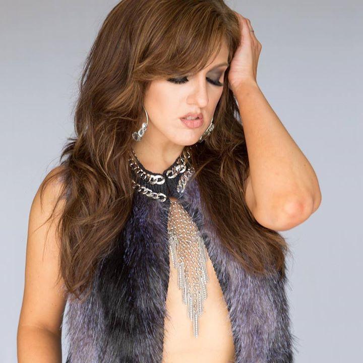 Jessica Nixon Tour Dates