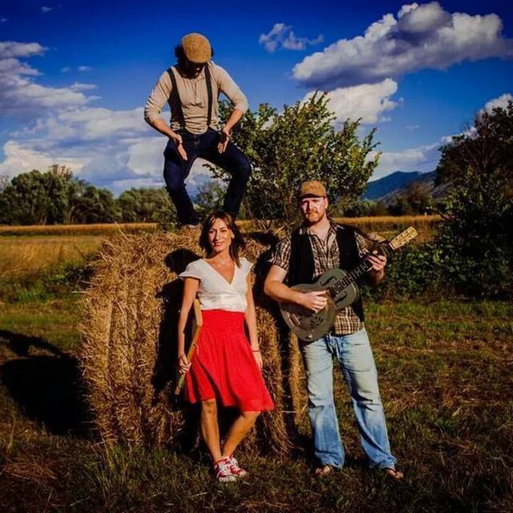 Paola Ronci & The Hay Bale Stompers Tour Dates