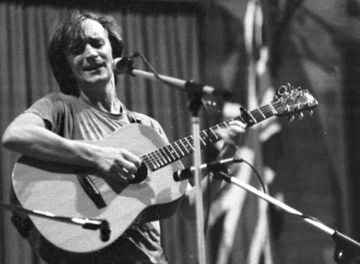 Martin Carthy @ Memorial Hall - Richmond, United Kingdom