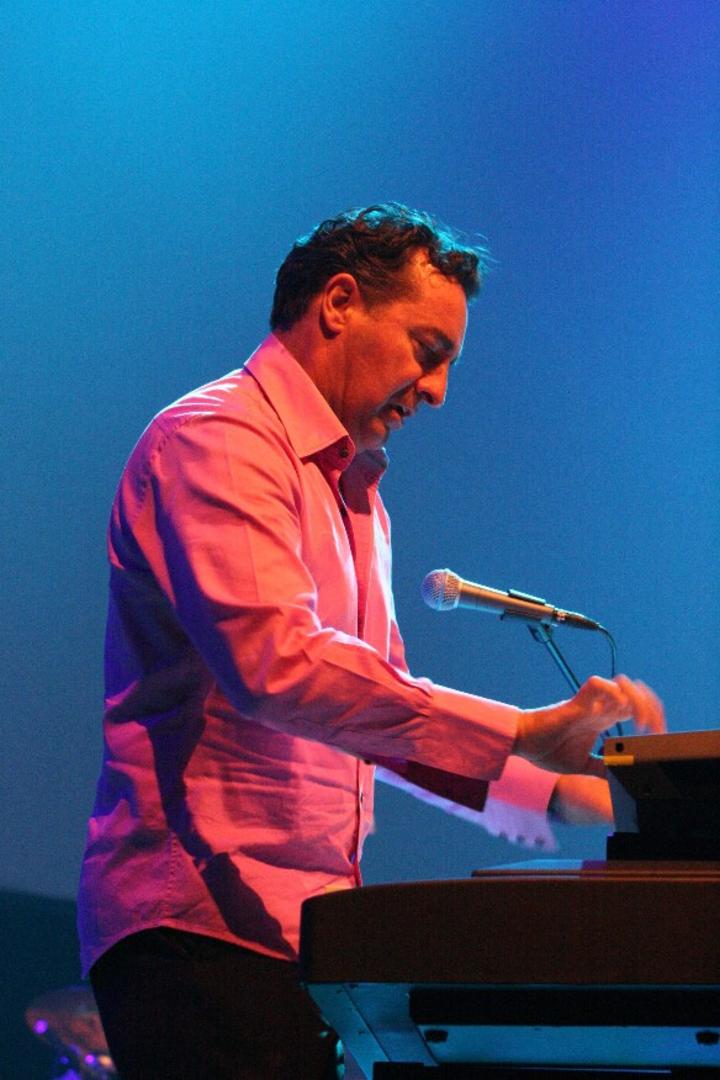 Alex Bugnon @ Ovens Auditorium - Charlotte, NC