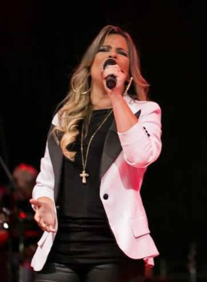 Cantora Católica Flávia Dornellas Tour Dates