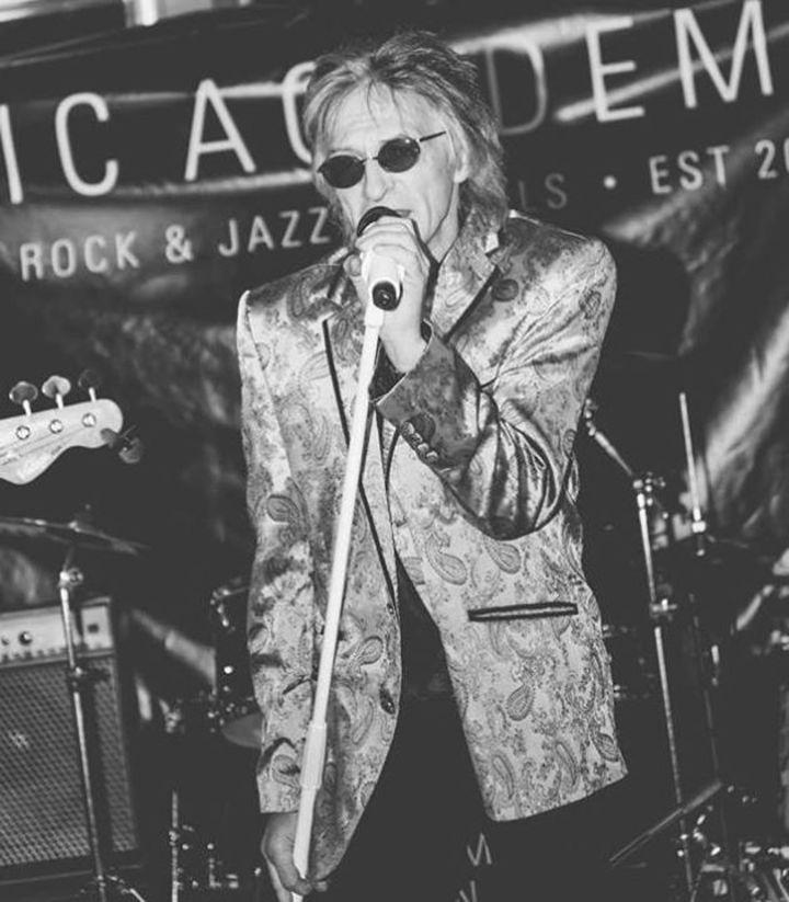 Offizielle Seite: Robin Stone Tour Dates