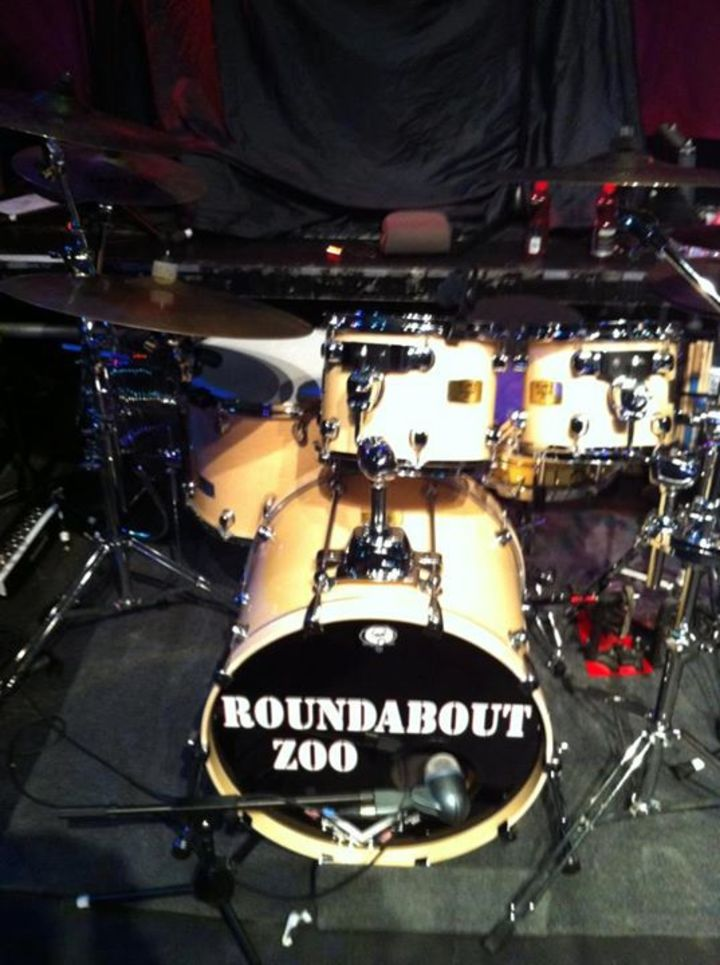 Roundabout Zoo Tour Dates