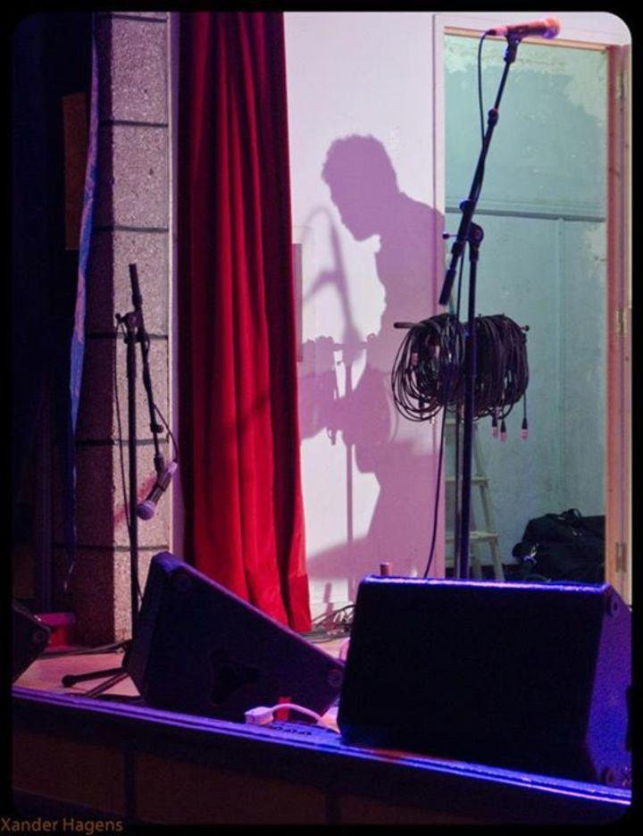 Al Wallis - Bass player Tour Dates