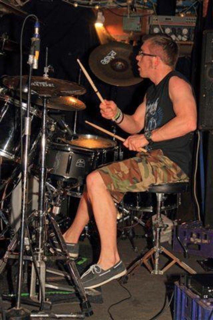 Robin Shute Drummer Tour Dates