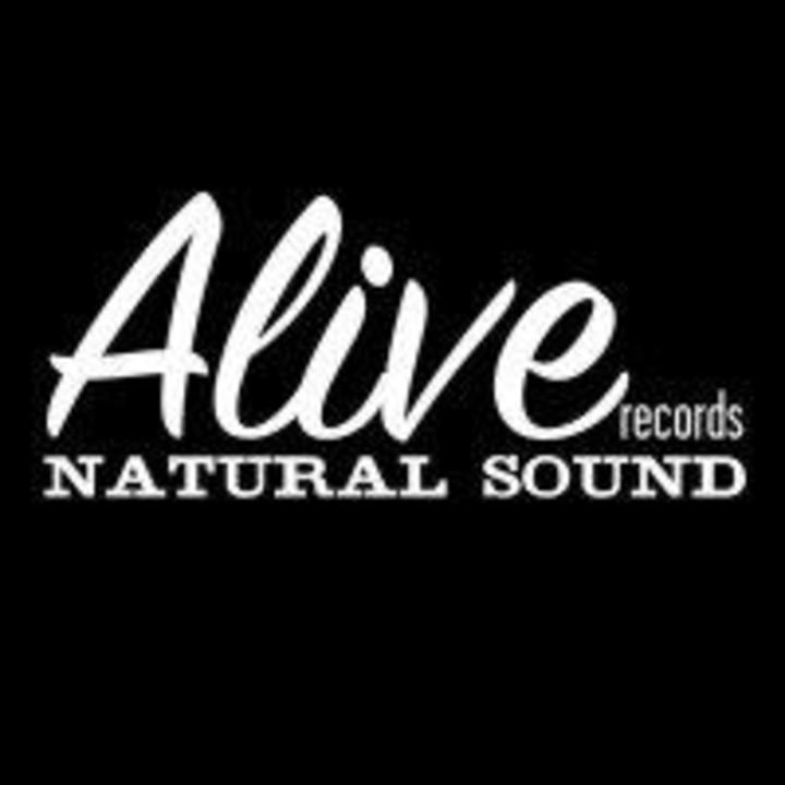 Alive Naturalsound records Tour Dates
