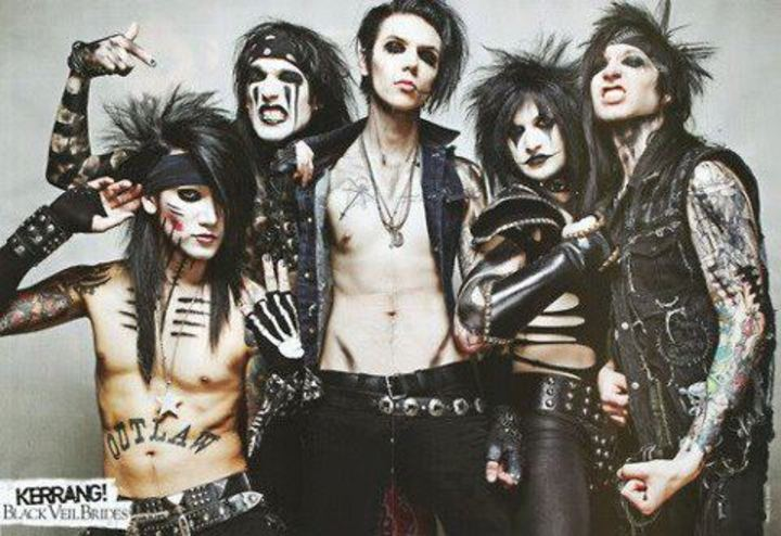 Black veil brides outcasts Tour Dates
