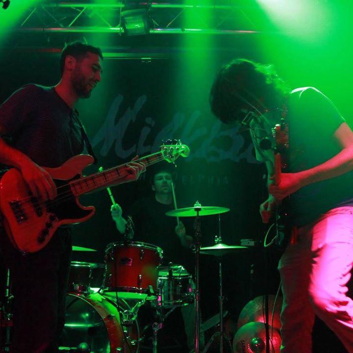 Looseleaf Trio Tour Dates