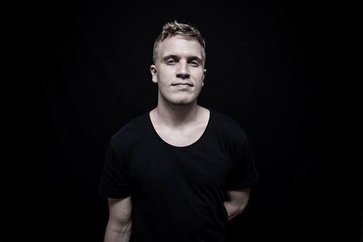 Mikael Wills Tour Dates