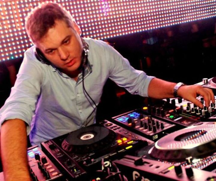 DJ NELLY DEEP Tour Dates
