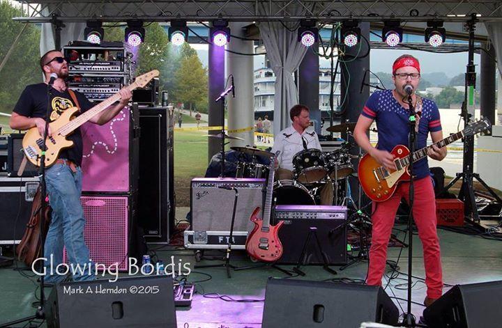 Glowing Bordis Tour Dates
