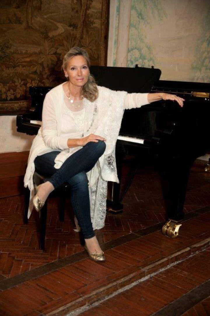 Elizabeth Sombart, pianiste Tour Dates