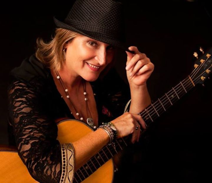 Beverly Jo Scott @ ESPACE GERARD PHILIPE - St Andre Les Vergers, France