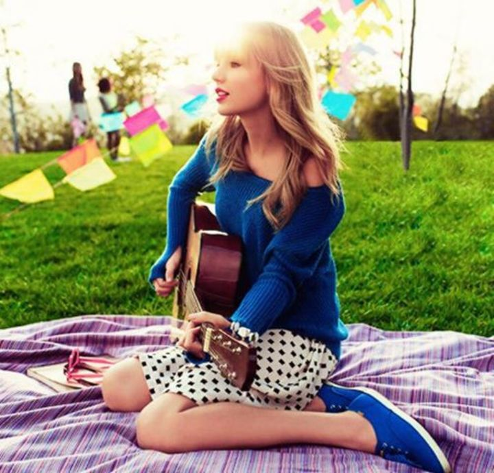 Taylor Swift Edits Tour Dates