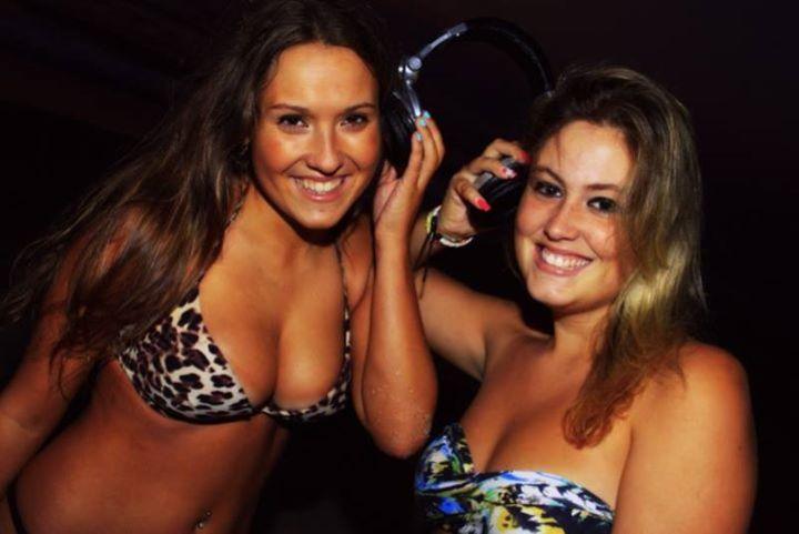 Meninas da Favela Tour Dates