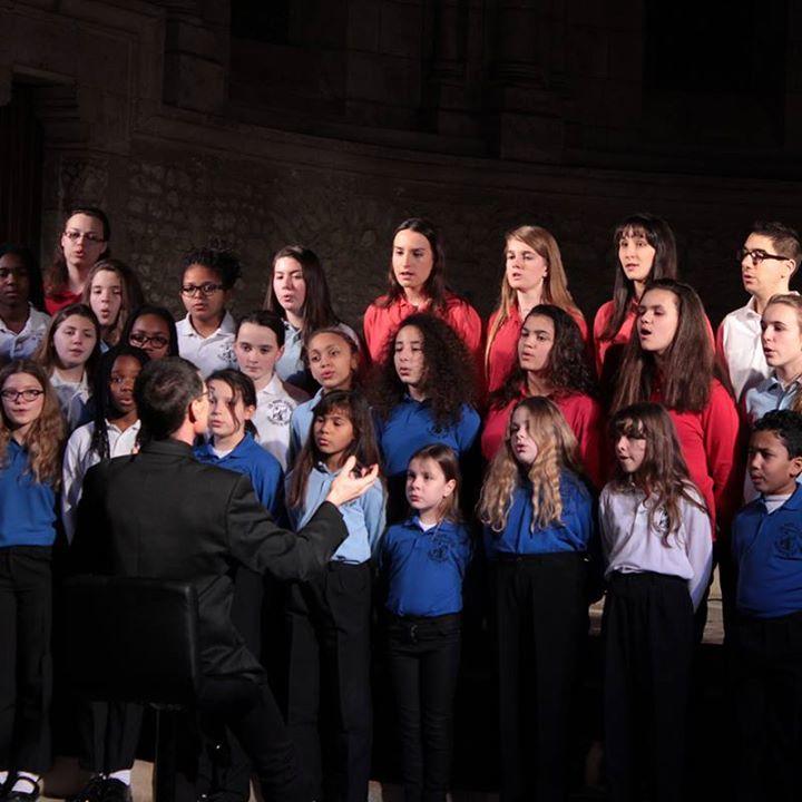 Les Petits Écoliers Chantants de Bondy Tour Dates