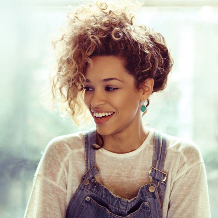 Izzy Bizu @ O2 Shepherds Bush Empire - London, United Kingdom