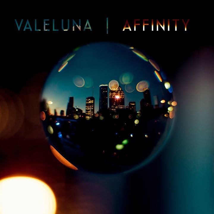 Valeluna Tour Dates