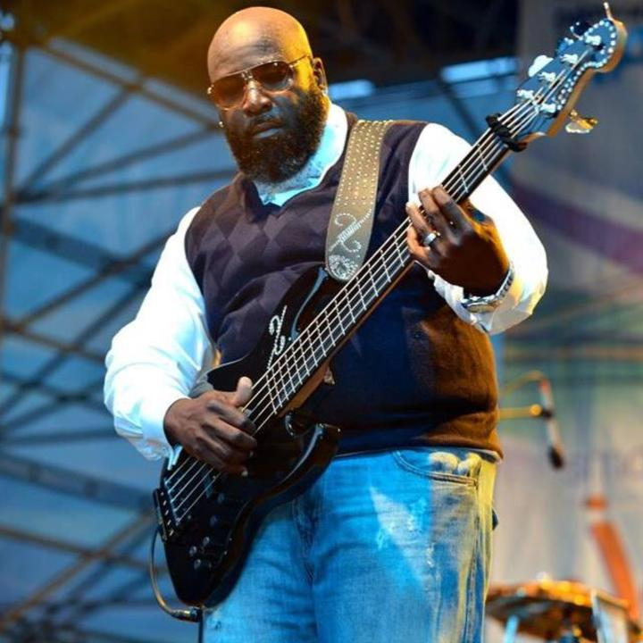 Xxavier Chisholm, Bassist Fan Page Tour Dates