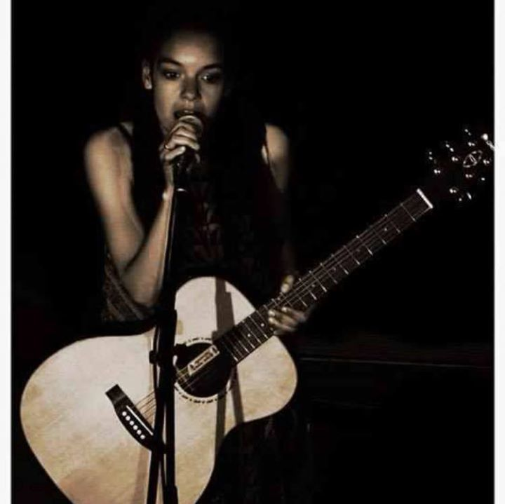 Kizzy Meriel Crawford Music Tour Dates