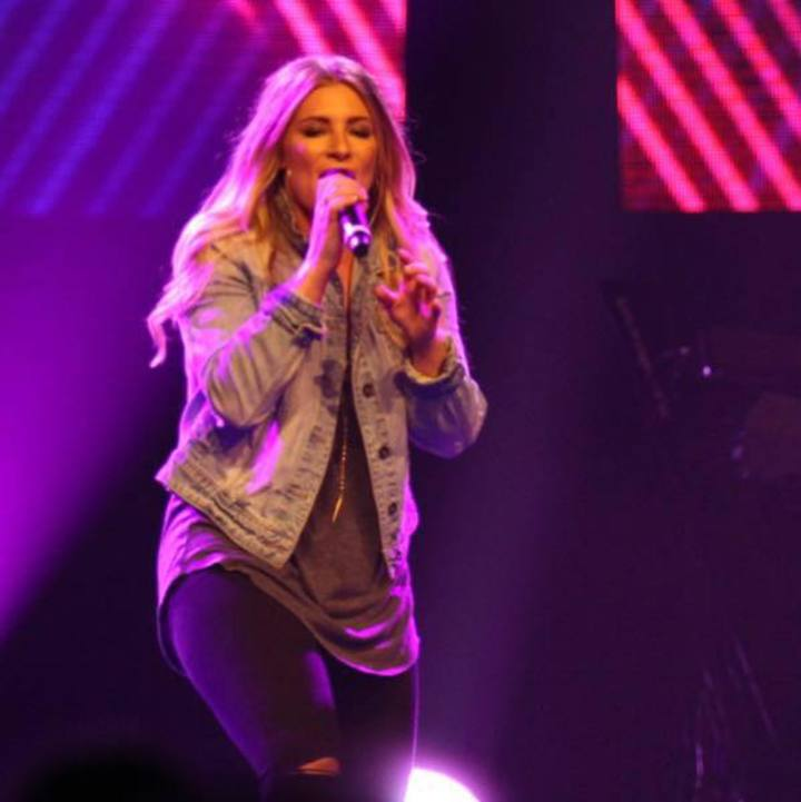 Dara Maclean @ Verizon Wireless Amphitheater - Irvine, CA