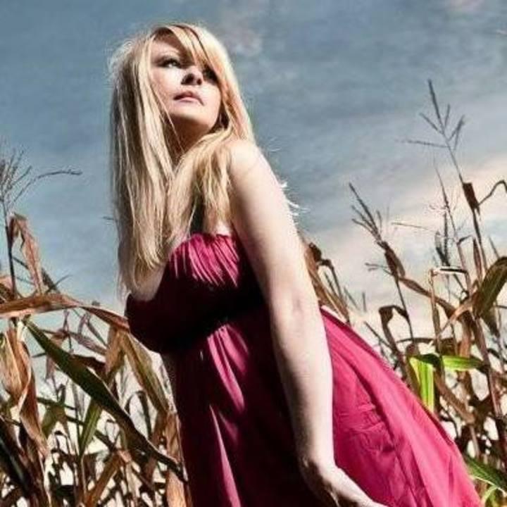 Jennifer Westwood And The Handsome Devils @ Slo'Bones - Duo - Frankenmuth, MI