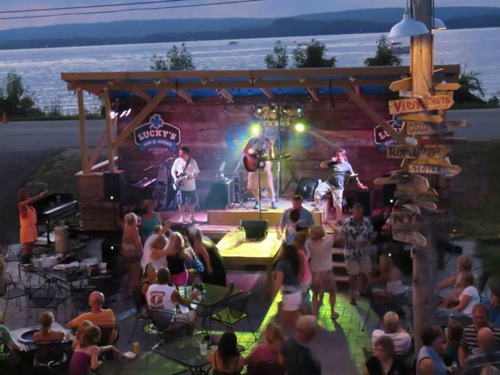 Country Wide Rocks @ Lucky's Bar & Grille - On The Lake - Lodi, WI