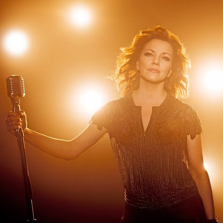 Martina McBride @ Daytona International Speedway - Daytona Beach, FL