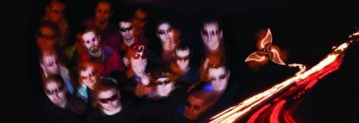 Korai Öröm band Tour Dates