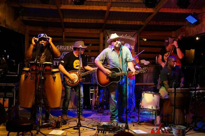 Chubby Knuckle Choir @ Gruene Hall - New Braunfels, TX