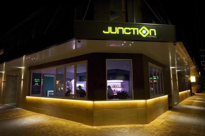 Tim Rossington @ The Junction Hotel - Newcastle, Australia