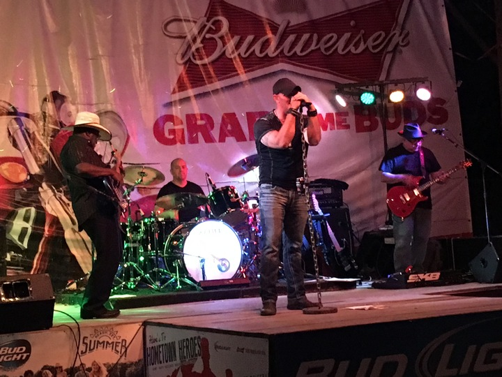 Dirt Road Reunion @ Lucky's Grille and Sports Bar - Marysville, OH