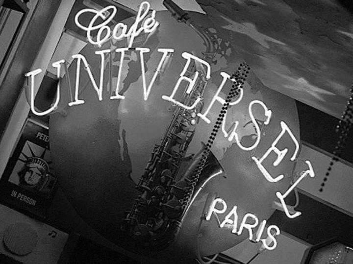 Clémence de Tournemire @ Café Universel - Paris, France