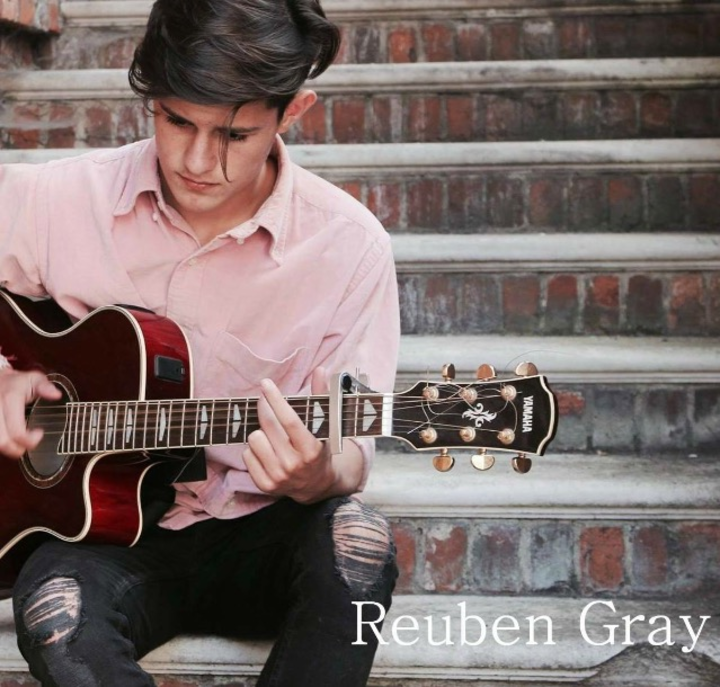 Reuben Gray @ The Fiddlers Elbow - Camden, United Kingdom
