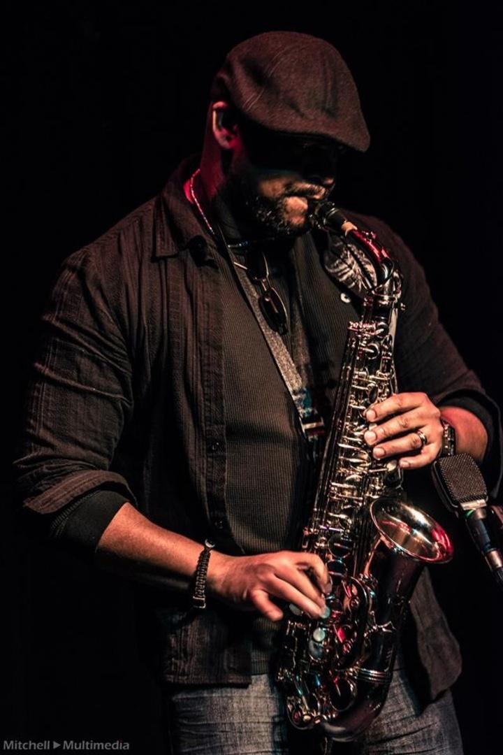 Ronjaemusic & High Altotude saxophone soloist @ Leap-N-Lizard's - Hilliard, OH