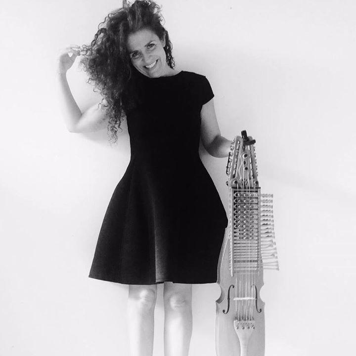 ANA ALCAIDE MÚSICA Tour Dates