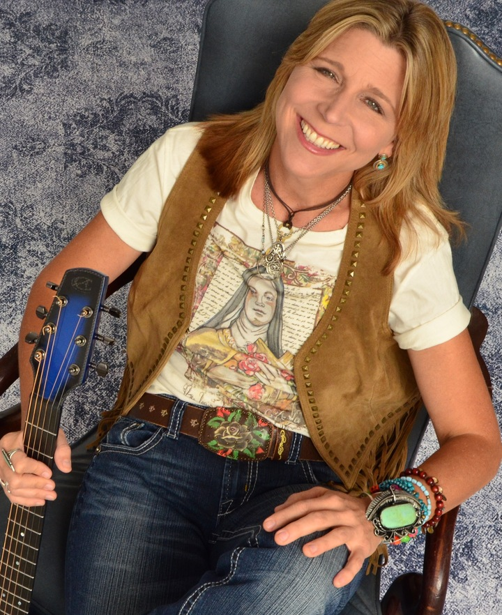 Terri Hendrix @ Third Coast Theater - Port Aransas, TX